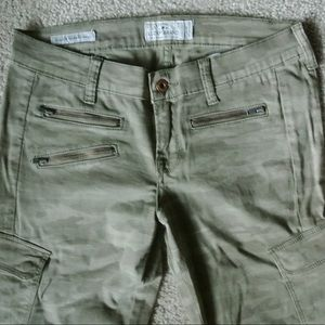 Army printed lucky Brand skinnies size 28