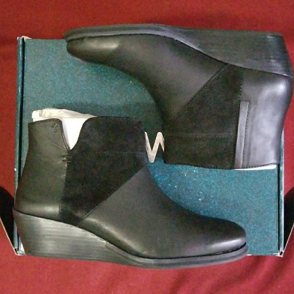 Emu Shoes - wedge ankle boot