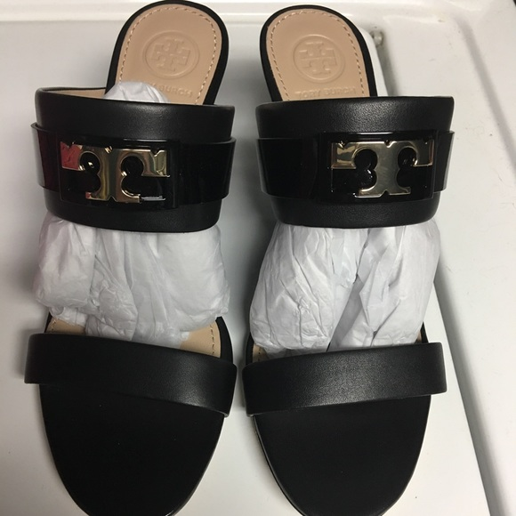 b52a50e3071 Tory Burch Gigi wedge sandals. M 59b863f299086a0d2000fa1f