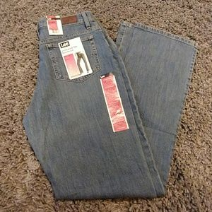 Lee relaxed fit bootcut stretch size 12 long (nwt)