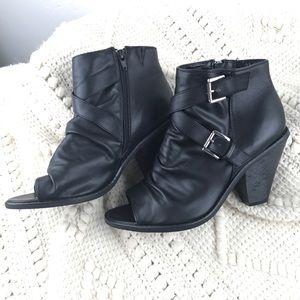 LikeNew Lane Bryant black peep toe ankle boots 10W