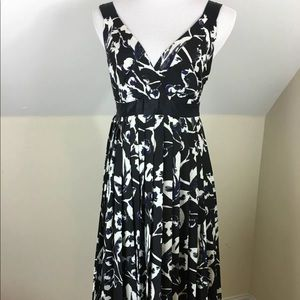 The Limited Dress pleated tie waist lined floral