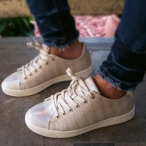 🆕//The Travis// Gold Glitter lace up Sneaker