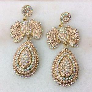 Jewelry - Vintage Rhinestone DangleTear drop Post Earrings