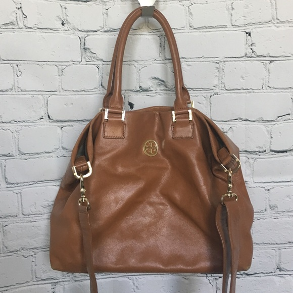 98ccdf6511 Tory Burch Bags | Camel Color Tory Tote | Poshmark