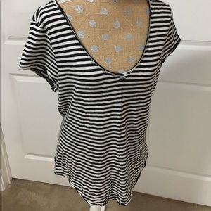 Black and white nautical stripe v neck tee