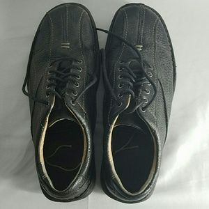 Other - Mens black leather Clark's