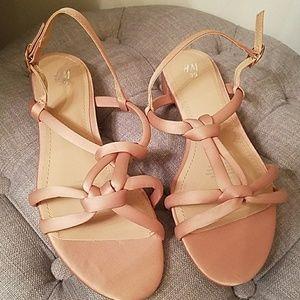 NWOT H&M nude flat sandals