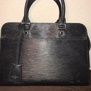 900706b9d55c Louis Vuitton Bags - Louis Vuitton Vaneau MM Purse