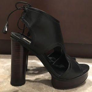 Pour La Victoire Black Leather Platform Heels