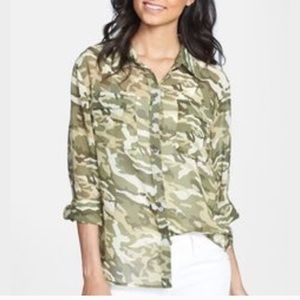Vince camouflage blouse