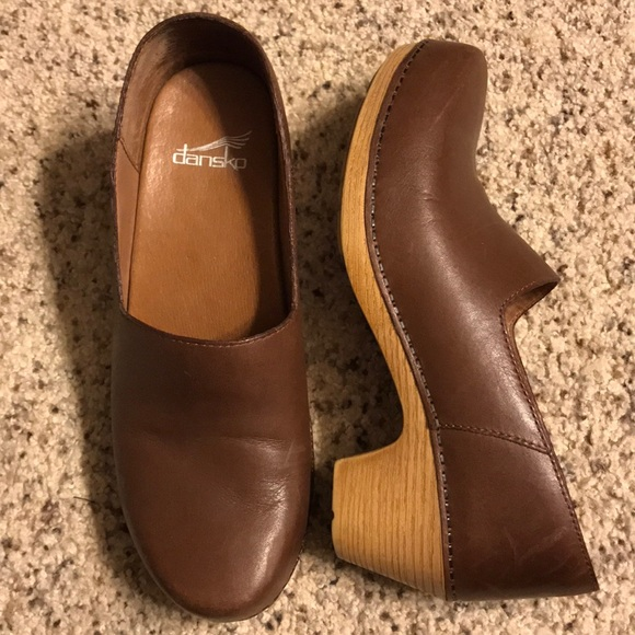1e8be8848f75b Dansko Marisol clogs minimalist 38 8 7.5 leather