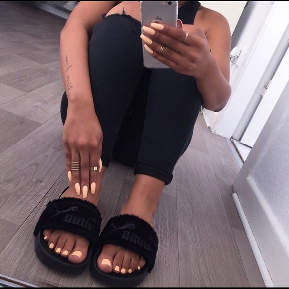 innovative design fb027 46948 Black puma Rihanna fenty fur slides authentic