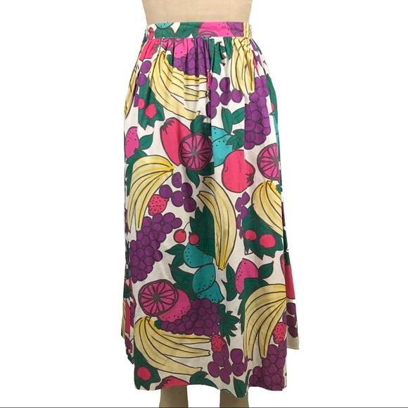 1f2824393 Vintage fruit print skirt gathered midi length. M_59b8b0b3ea3f366221029e62