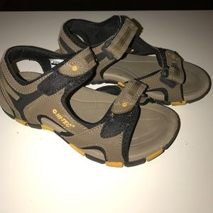 Hi-Tec Shoes - Hi-Tec sandals