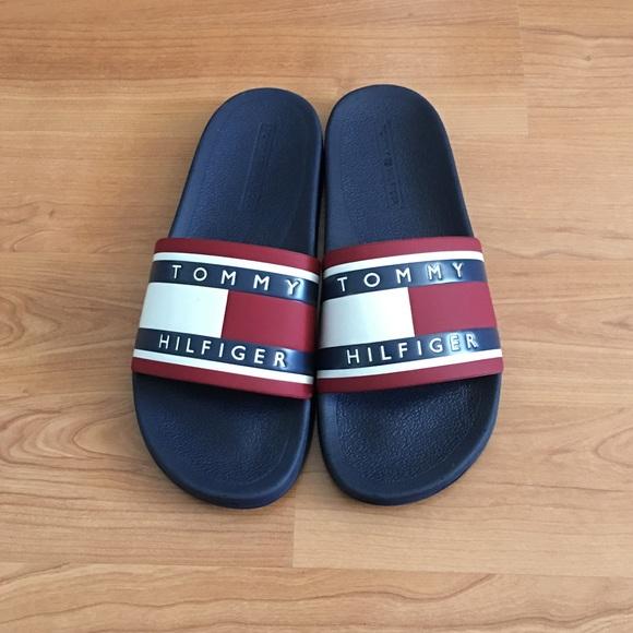 4b2035158259 Tommy Hilfiger slide sandals with flag logo sz 9M.  M 59b90151ea3f363370031e38