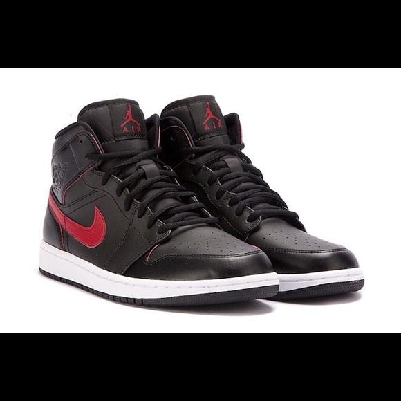 size 40 8a29e 85c45 Jordan red black white 1s