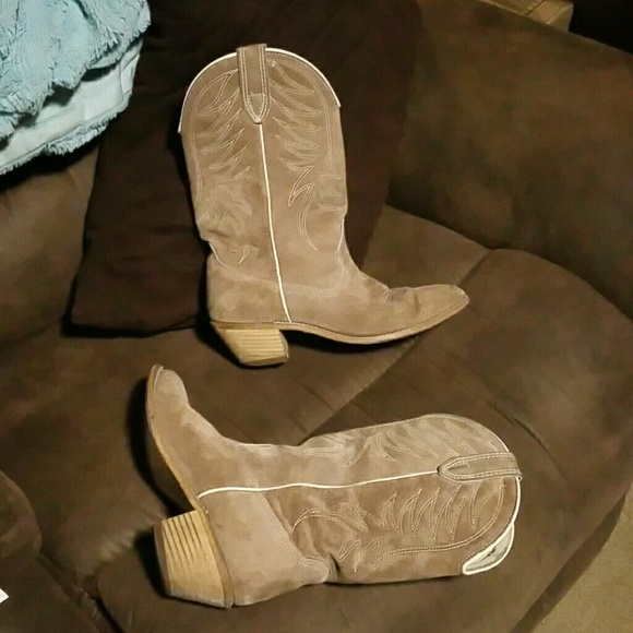 Wolverine Shoes   Womens Suede Cowboy