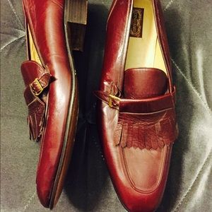 Men's Maroon Shoes Size (10)