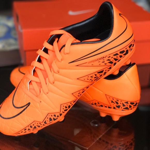 nike Shoes - NWT men's Hypervenom Phelon ll FG Soccer Cleats