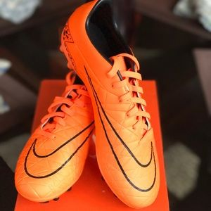 nike Shoes - NWT men's Hypervenom Phelon ll FG Soccer Cleats