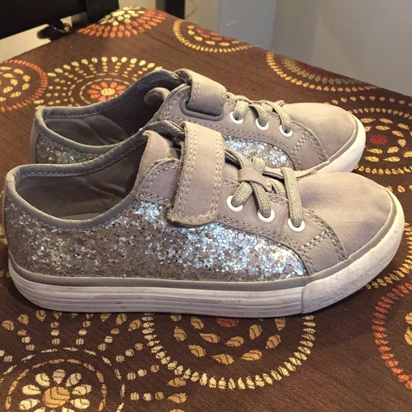 40ee930235fd Clarks Other - Clarks glitter ✨ tennis shoes
