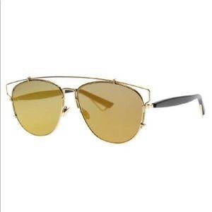 Dior Technologic gold sunglasses 😎😎😎