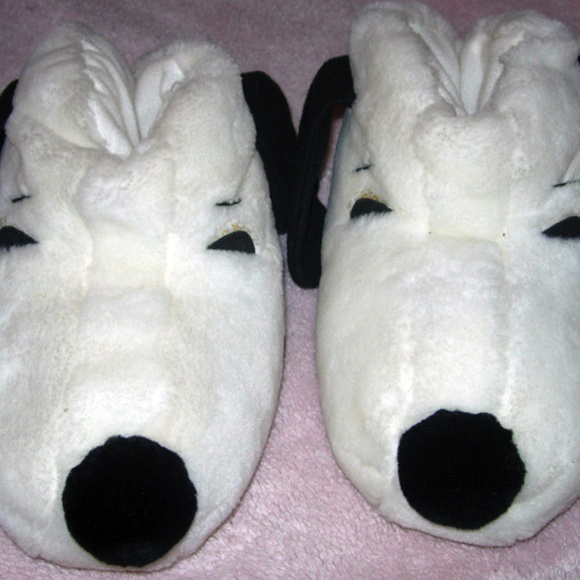 4e986d5bbe073 Carousel by Guy Shoes - Vintage 80s Fuzzy Snoopy Slippers