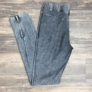 Gray H&M Leggings with zipper by the ankle