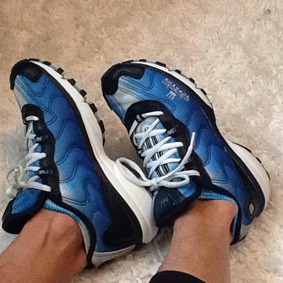 promo code 3d5f5 36766 dada supreme Shoes Sneakers Poshmark