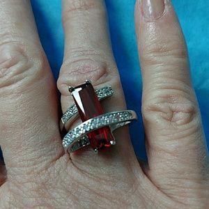 Jewelry - Unique ring