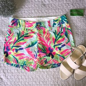 Beautiful Lilly Pulitzer Bermuda shorts 00