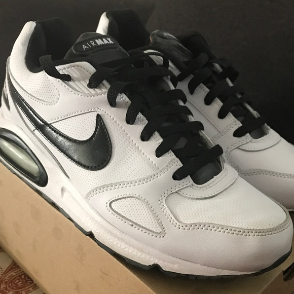 Nike Air Max Classic Leather SI. M 59b97e1956b2d60f67047a61 a40822d2e