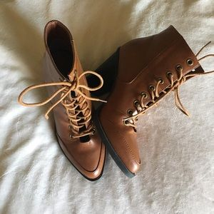 Lace up booties 6.5