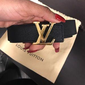e80ea1aa71e4 Louis Vuitton Accessories - LV Initiales 30MM Reversible Monogram