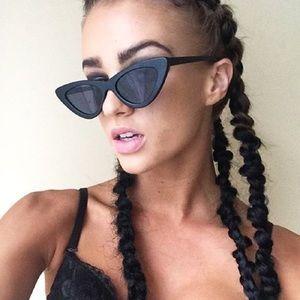 d1c25114088 le specs Accessories - Le Specs the last Lolita sunglasses in black