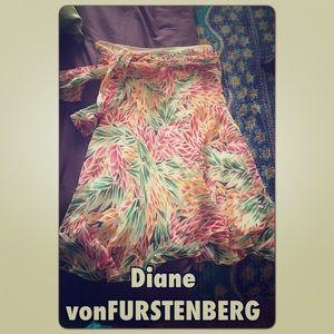 Genuine Diane vonFURSTENBERG Silk Leaf Skirt 10