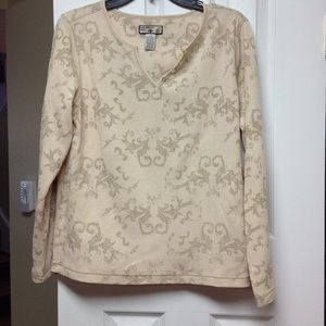Beige waffle like long sleeve with olive green