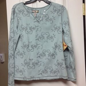 Bluish green long sleeve waffle like shirt