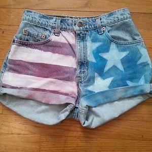 VTG Levi 550 Highwaisted Shorts American Flag!
