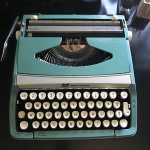 Other - Working Vintage Turquoise Smith Corona Typewriter