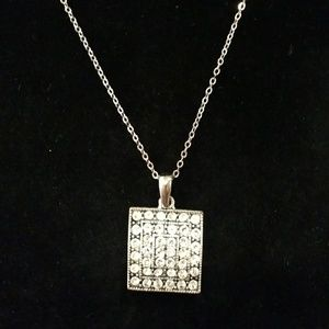 Jewelry - Beautiful 1 inch Diamond CZ and silver necklace