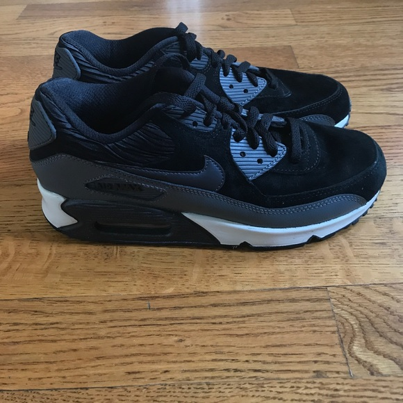 ladies nike air max blacksize 7.5