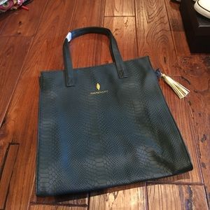 Green Amore Pacific Zippered Tote