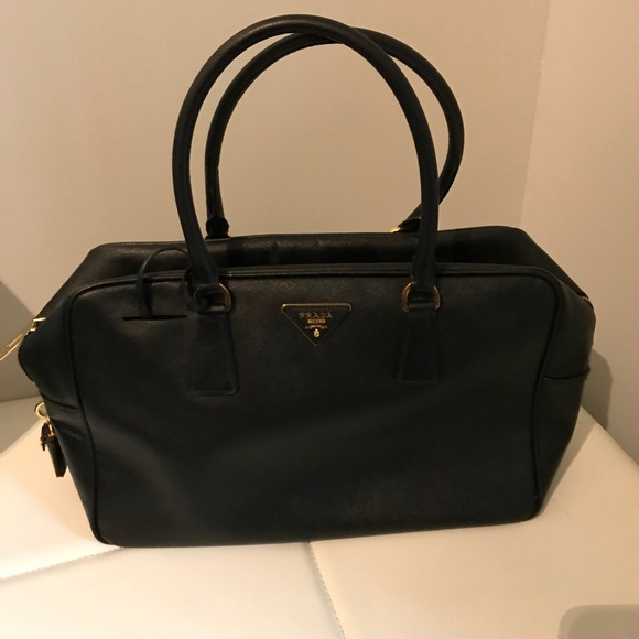 Prada Handbags - Prada purse