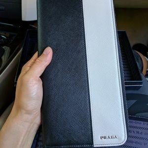 NWT Prada black clutch wallet
