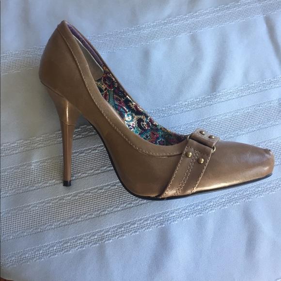 "Qupid Shoes - QUPID 4"" stiletto heels (taupe)"