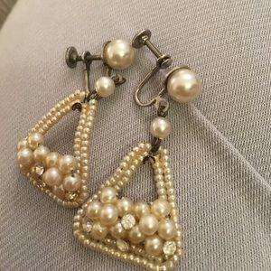 Stunners. Pearl & rhinestone 1930s screw back er