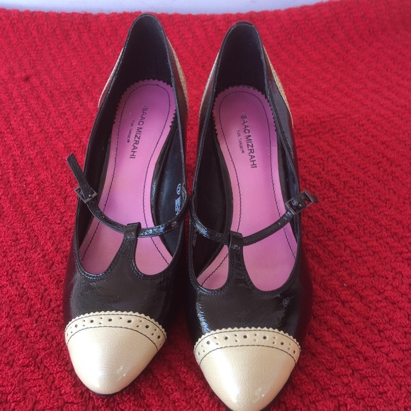 Isaac Mizrahi Shoes - Isaac Mizrahi Black & Ivory Pumps