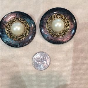 Jewelry - Vintage clip earrings